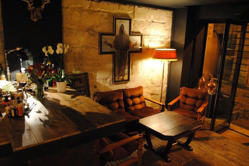 Les Meilleurs Bars Pour Un Premier Rendez Vous Amoureux A Bordeaux Bar Vivre A Bordeaux Bar En Bois