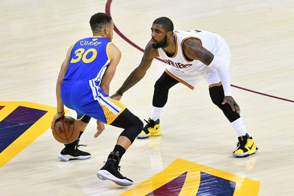 Stephen Curry And Kyrie Irving Cleveland Cavaliers Stephen Curry Pictures Curry Warriors American Sports