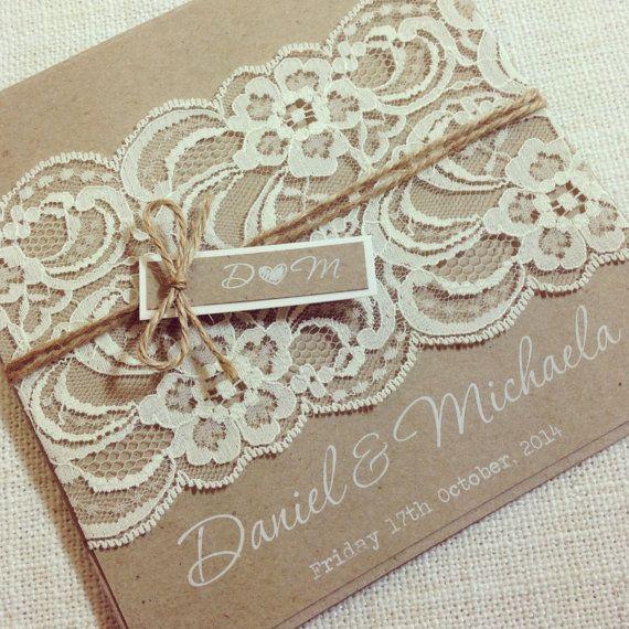 Rustikale Hochzeitseinladung Weiße Tinte von StunningStationery – Hochzeitsideen   – Basteln