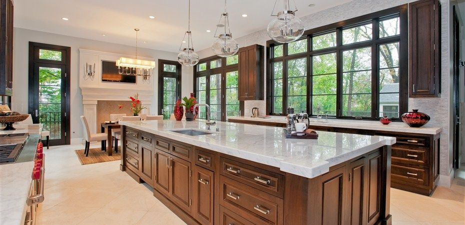 Traditional Kitchen With Pendant Light Chapel Hill Flat Panel