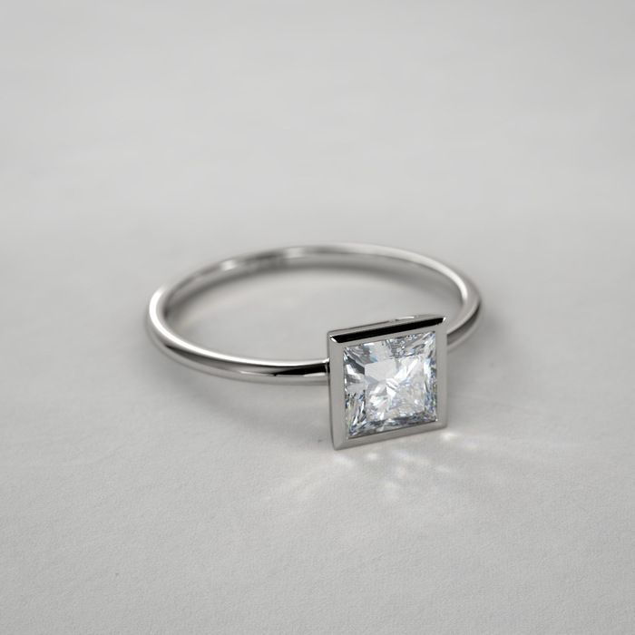 1 ctw Bezel Set Princess Cut Diamond Ring in Platinum
