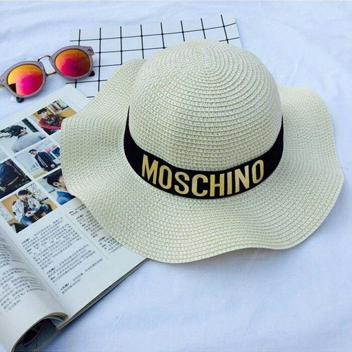 cool HO22532W Topi Pantai Wanita Sun Beach Moschino Hat Topi Pantai Sun  Beach Moschi. d04bb4782b5