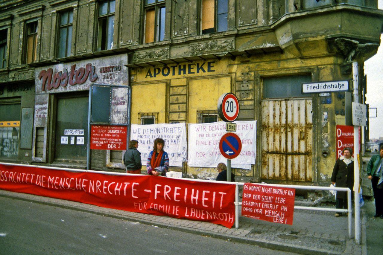 Chrisjohndewitt The Last Building In West Berlin Before