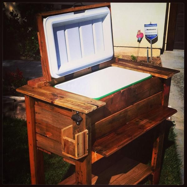 Diy Rolling Ice Chest Google Search Wood Pallets Wooden Ice Chest Wooden Diy