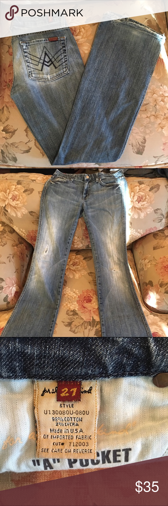 7 for All Mankind bootcut jeans Sz 27 Pre-Owned 7 for All Mankind bootcut jeans size 27. Light wash. Bottom of jeans are slightly worn. 7 For All Mankind Pants Boot Cut & Flare