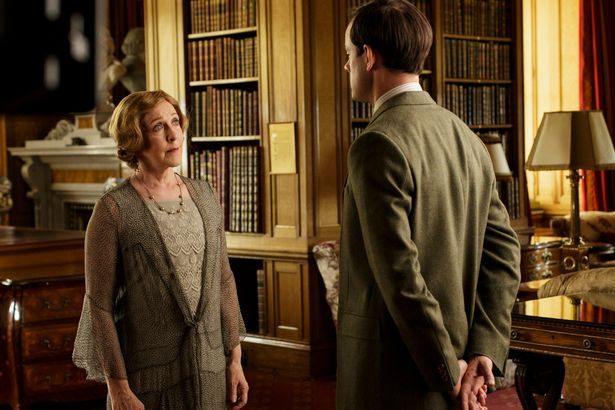 Downton Abbey Stars Film Scenes For Christmas Special And It S Emotional Downton Abbey Downton Downton Abbey Cast