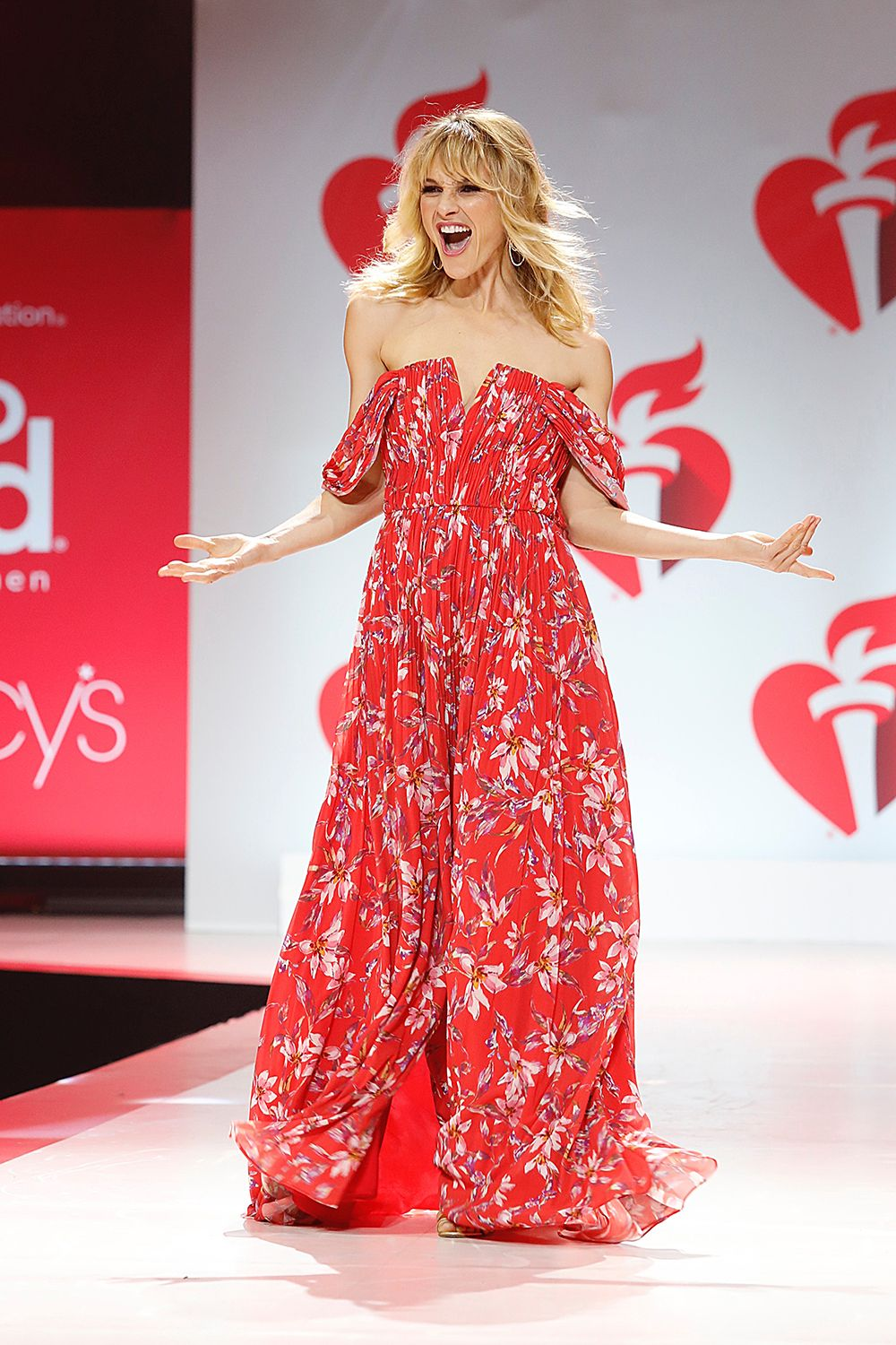 'Go Red for Women' Red Dress Collection Show — PICS