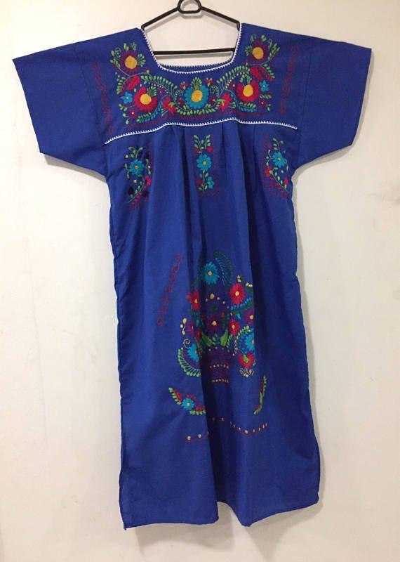 Vestido azul con bordado a mano vestido mexicano mexican 78e9a6f49a5e0