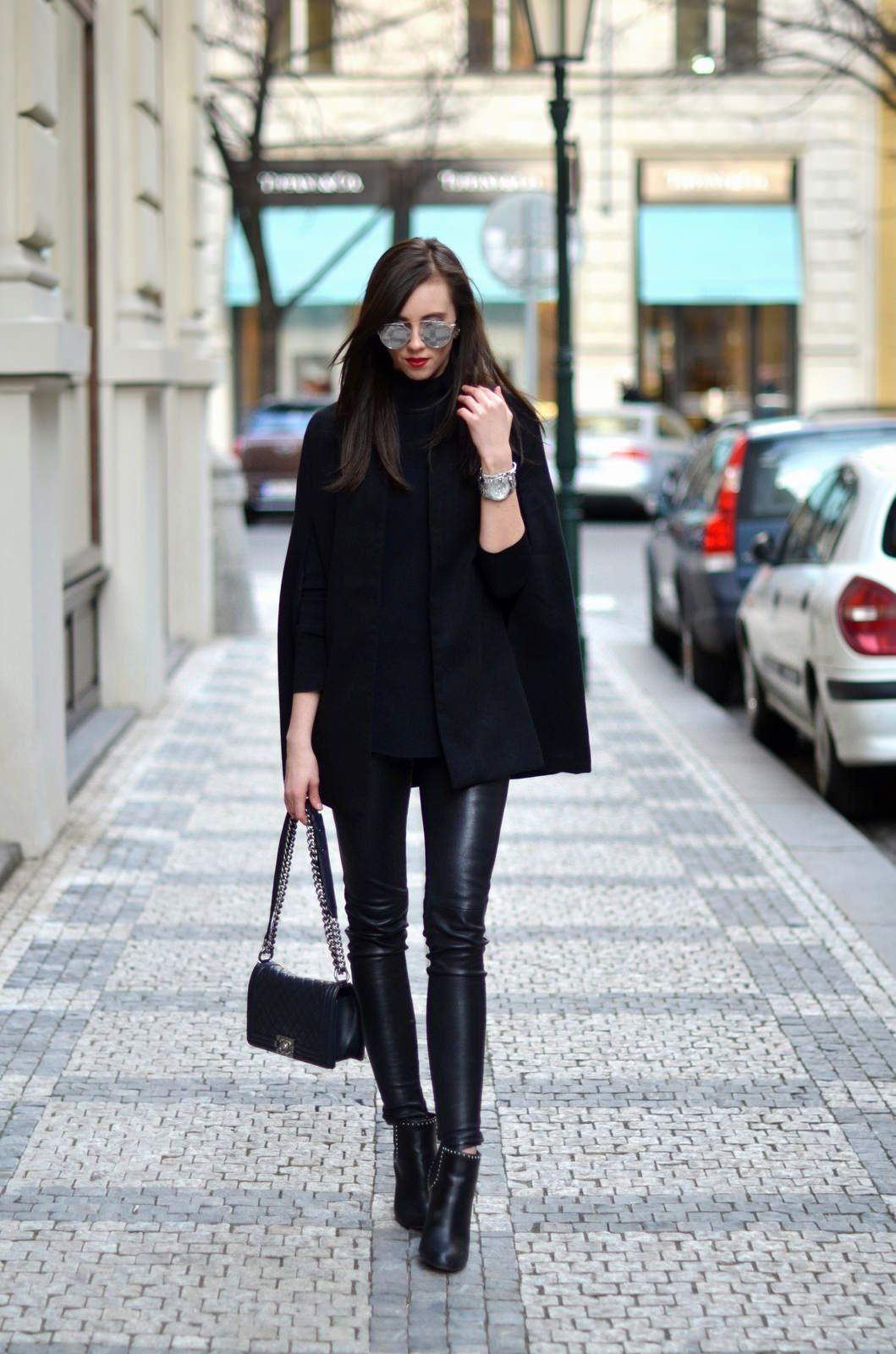 leggings kombinieren rockig und sexy ganz in schwarz. Black Bedroom Furniture Sets. Home Design Ideas