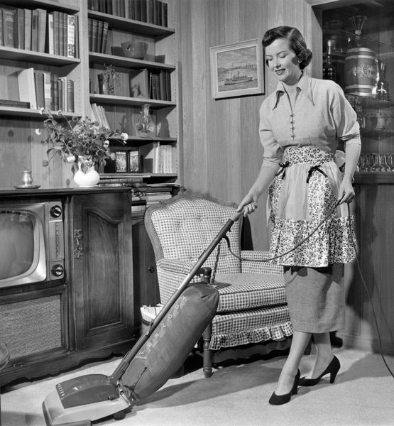 Become A Domestic Goddess In 10 Easy Steps My Mom Didn T