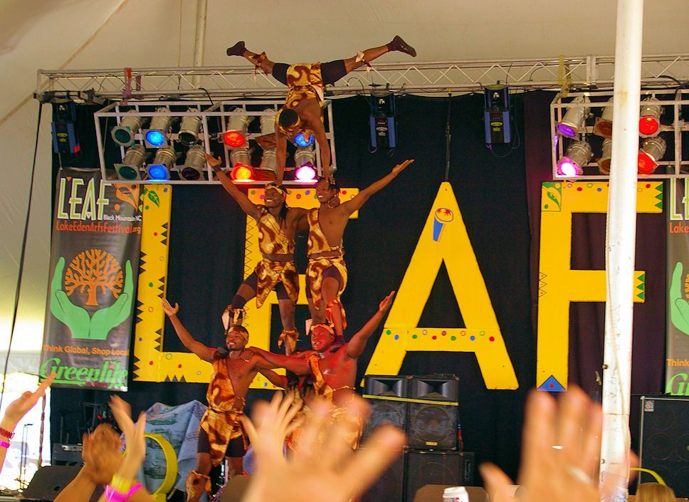 Leaf Festival In Black Mountain Nc This Weekend And A Full Moon Yippee Black Mountain Festival Art Festival