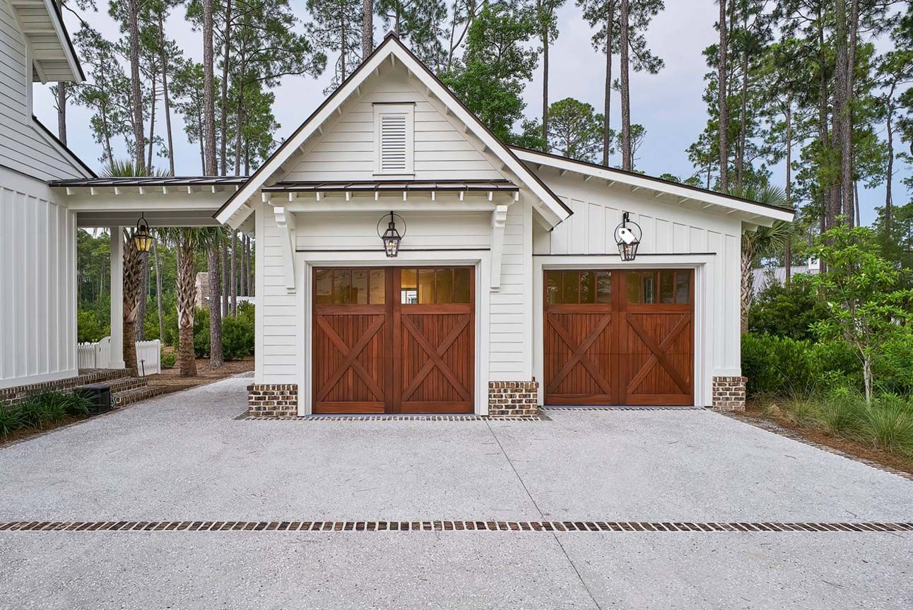 Beautiful 2 Car Garage Design White Siding With Wood Doors Breezeway Red Brick Veneer In 2020 Modern Farmhouse Exterior Detached Garage Designs Garage Door Design