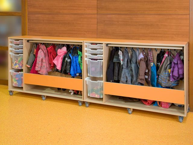 Opbergen klassehout meubilair voor primair onderwijs for Meubilair primair onderwijs