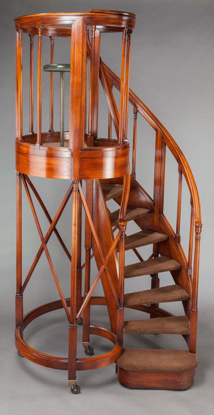 Best Furniture English An Edwardian Mahogany Circular 400 x 300
