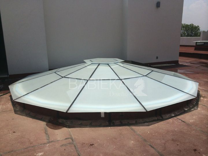 Cubierta con acceso para mantenimiento cristal templado esmerilado y estructura de aluminio - Cubierta de cristal ...