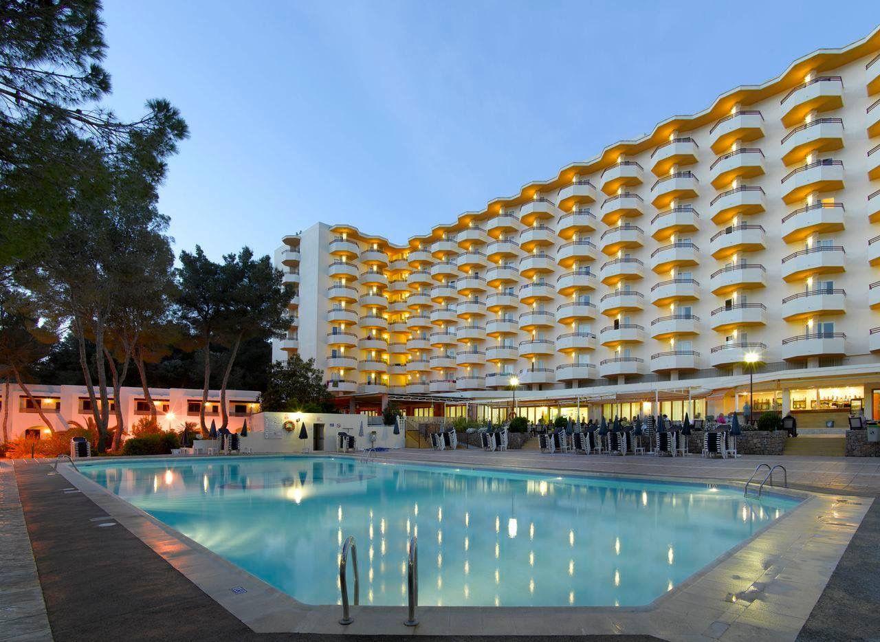 Palladium Hotel San Antonio Ibiza Spain In 2020 San Antonio Ibiza Ibiza Spain Ibiza