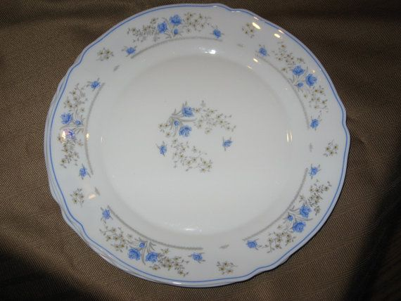 Reduced Pricing-28%-Arcopal \ Romantique\  China Dinner Plates & Reduced Pricing-28%-Arcopal \
