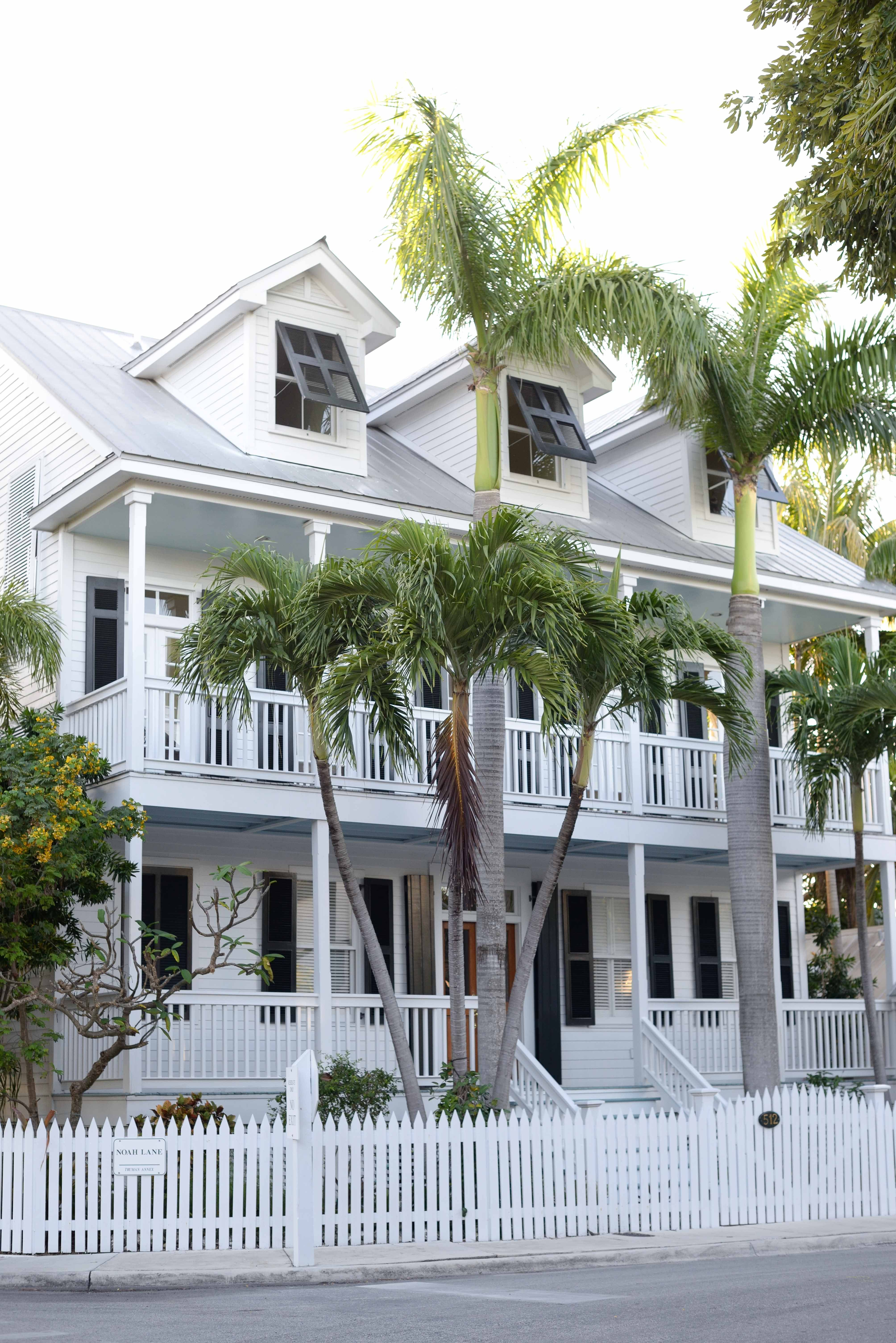 Vineyard Vines Shirts And Stitches Shorts And Gorgeous Houses Of Key West Kelly In The City Gorgeous Houses Key West House Key West Style
