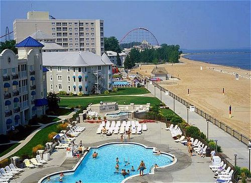 Cedar Point S Hotel Breakers 7 More Weeks And We Ll Be Swimming In That Pool