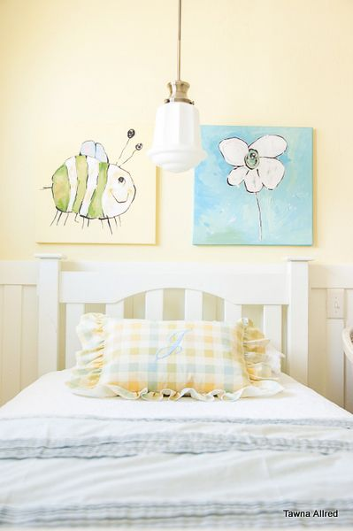 Girl S Bedroom Pale Yellow And Turquoise Interior Design And
