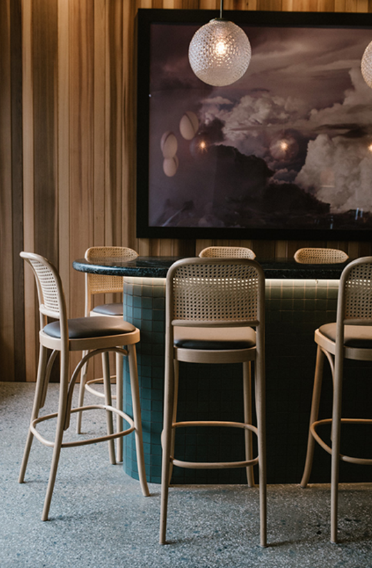 That Is Why Contemporary Lighting S Blog Gathered The 8 Modern Hotels In Paris You Should Spend A Night Bistro Interior Bar Design Restaurant Bistro Furniture