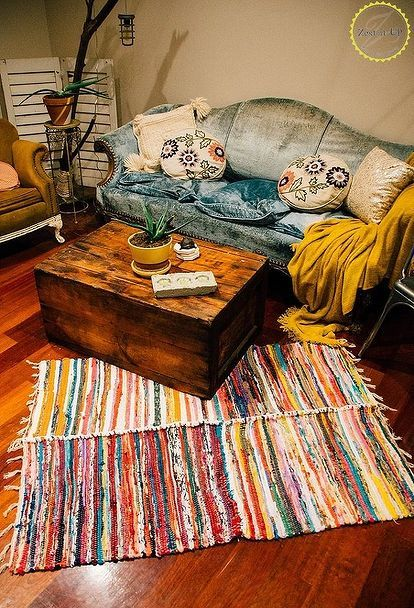 Check out this Brilliant Hack For Dollar Store Rugs! Digging this bohemian rug that is the perfect bohemian home decor on a budget!