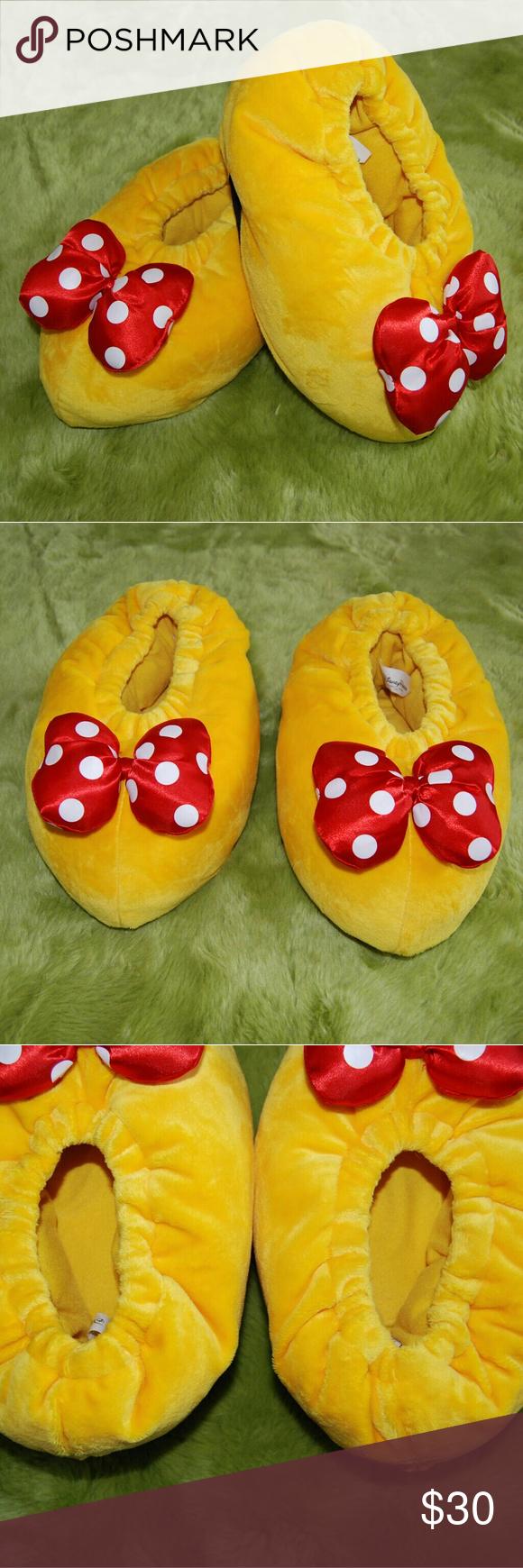 022b8e841ff4 Disney Minnie Mouse Yellow Plush Slippers Adult M Yellow soft plush  slippers Disney parks Good condition Gently worn Adult medium Disney Shoes  Slippers