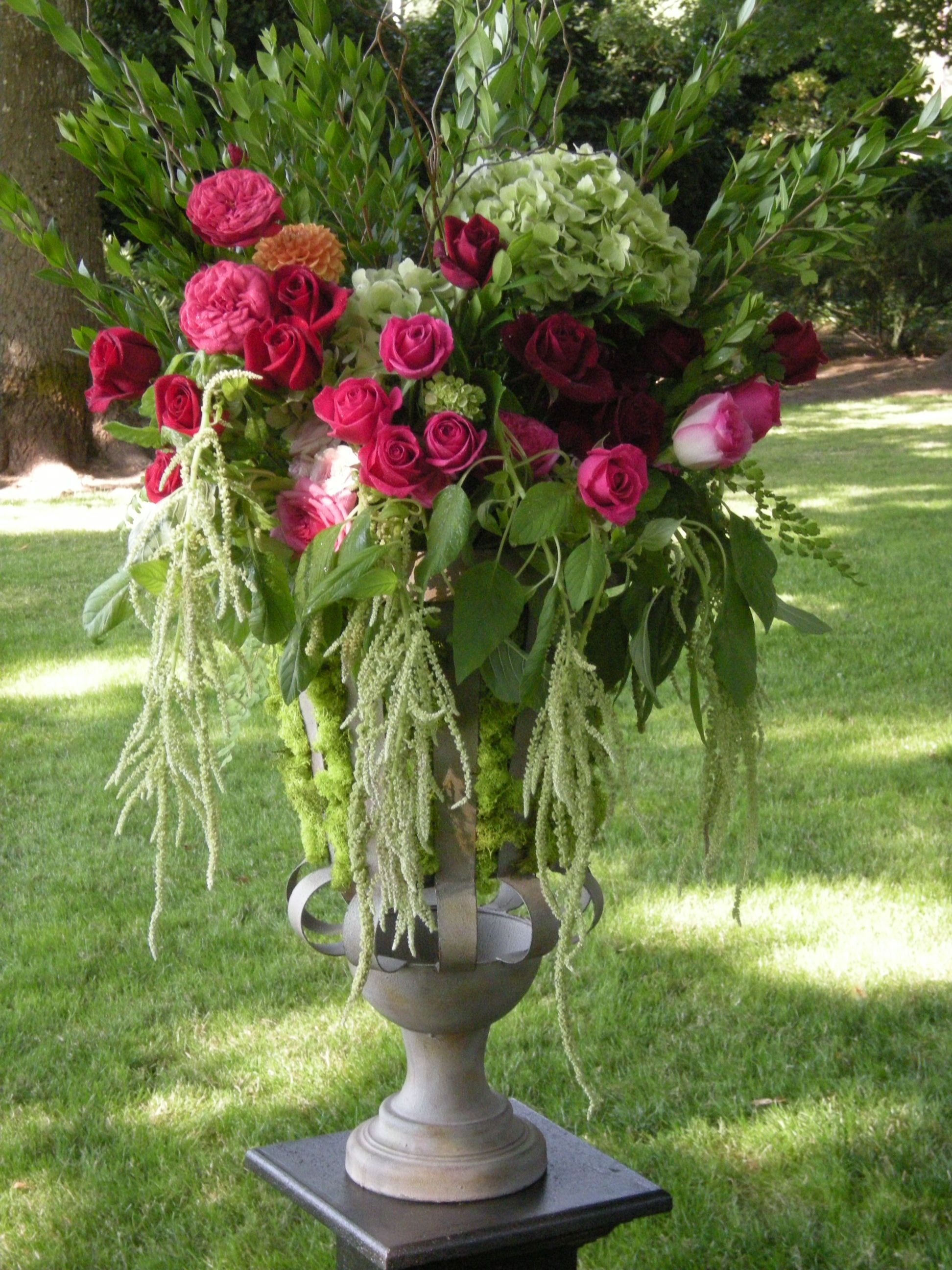 Good Wedding Flower Arrangements | Smaller Arrangments Were Attached To The  Shepherdu0027s Hooks At The .