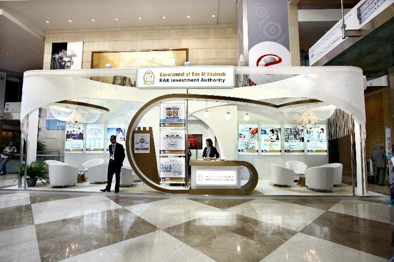 Portable Exhibition Stands In Dubai : Maxima light google 搜尋 booth design pinterest