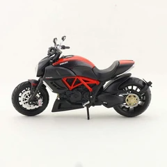 Ducati Diavel Carbon Motorcycle Model Assembly Kit Collectible Educati Toysoff Com Ducati Diavel Carbon Ducati Ducati Diavel