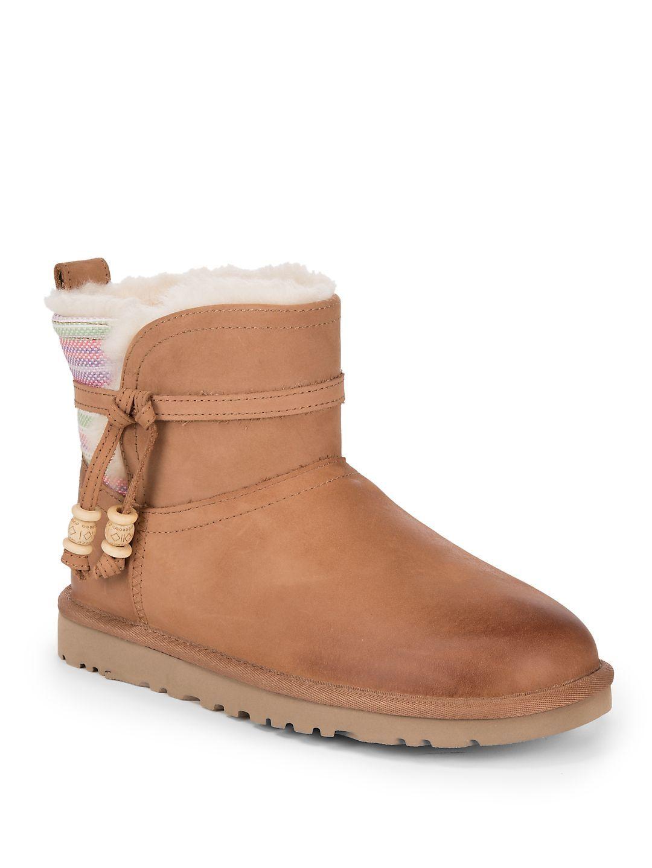 UGG WOMEN'S SHORT AUBURN SERAPE ANKLE BOOTS - CAMEL, SIZE 5. #ugg #