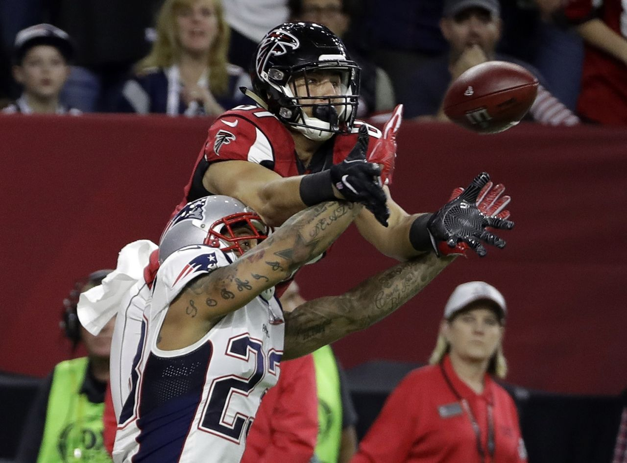p New England Patriots Patrick Chung breaks up a pass intended