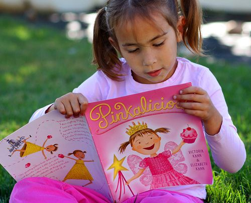 http://www.sophistimom.com/a-pinkalicious-book-review/