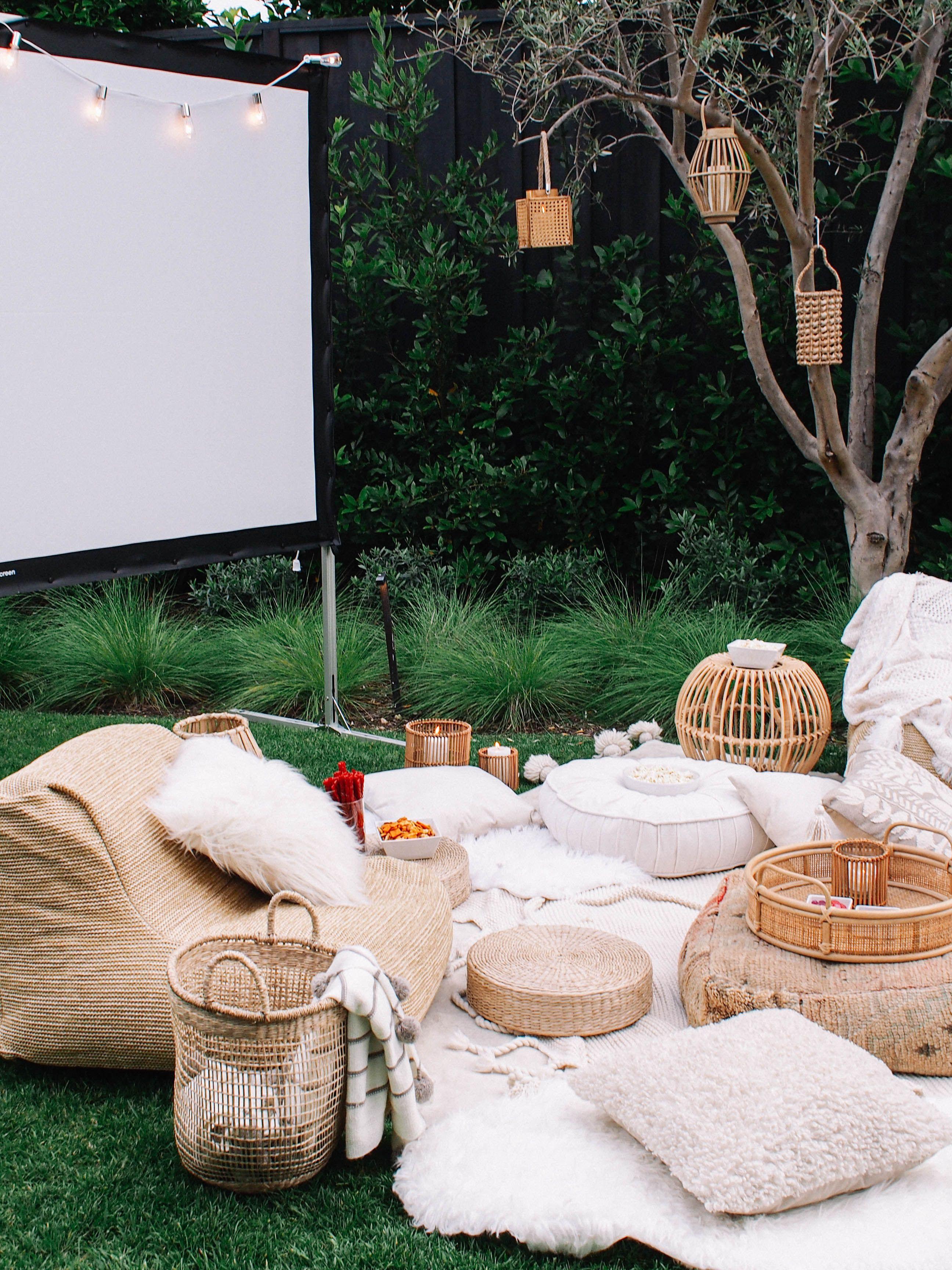 Photo of Summer Bucket List // Backyard Movie Night – Andee Layne