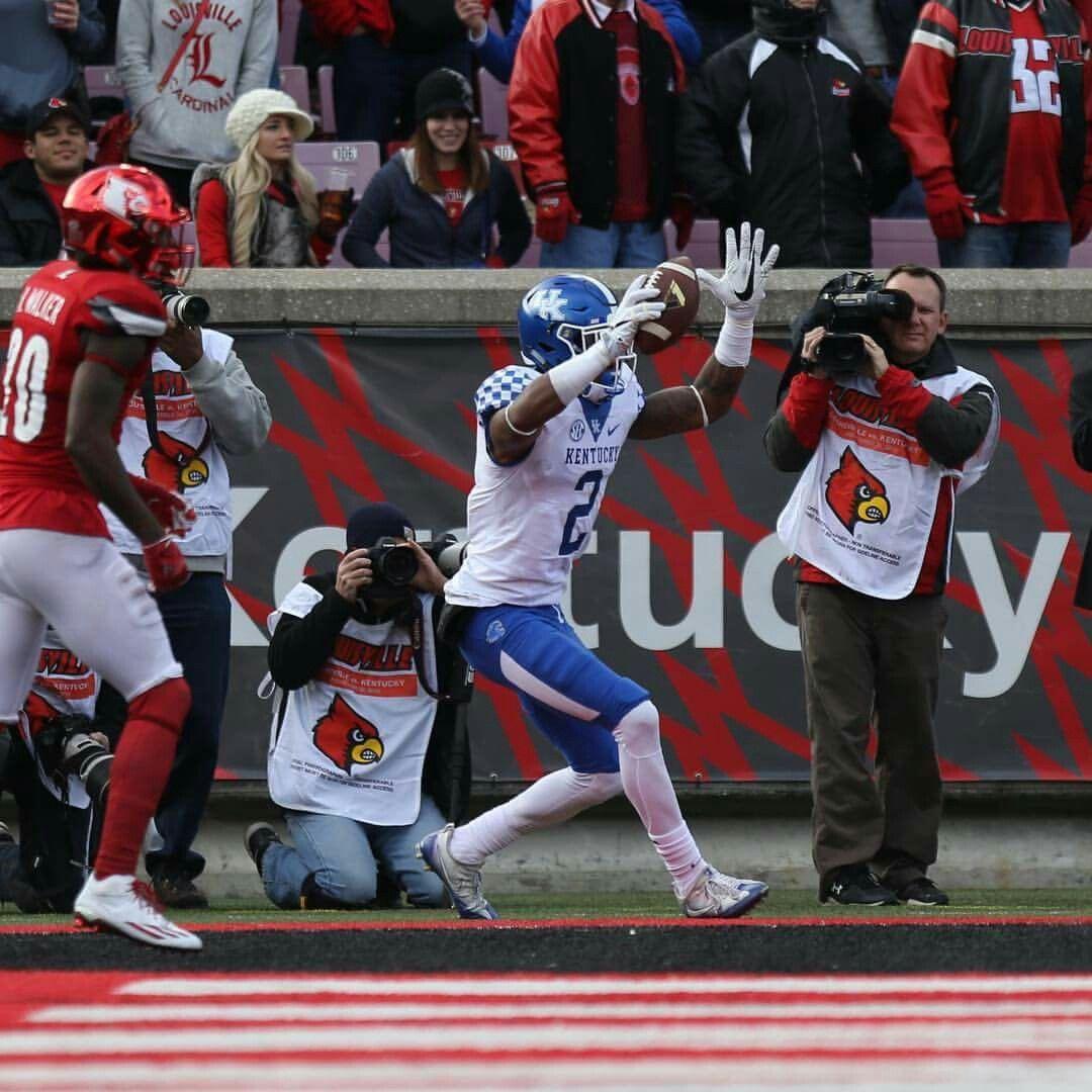 Dorian Baker, unbelievable catch! He reels in a 35yard TD