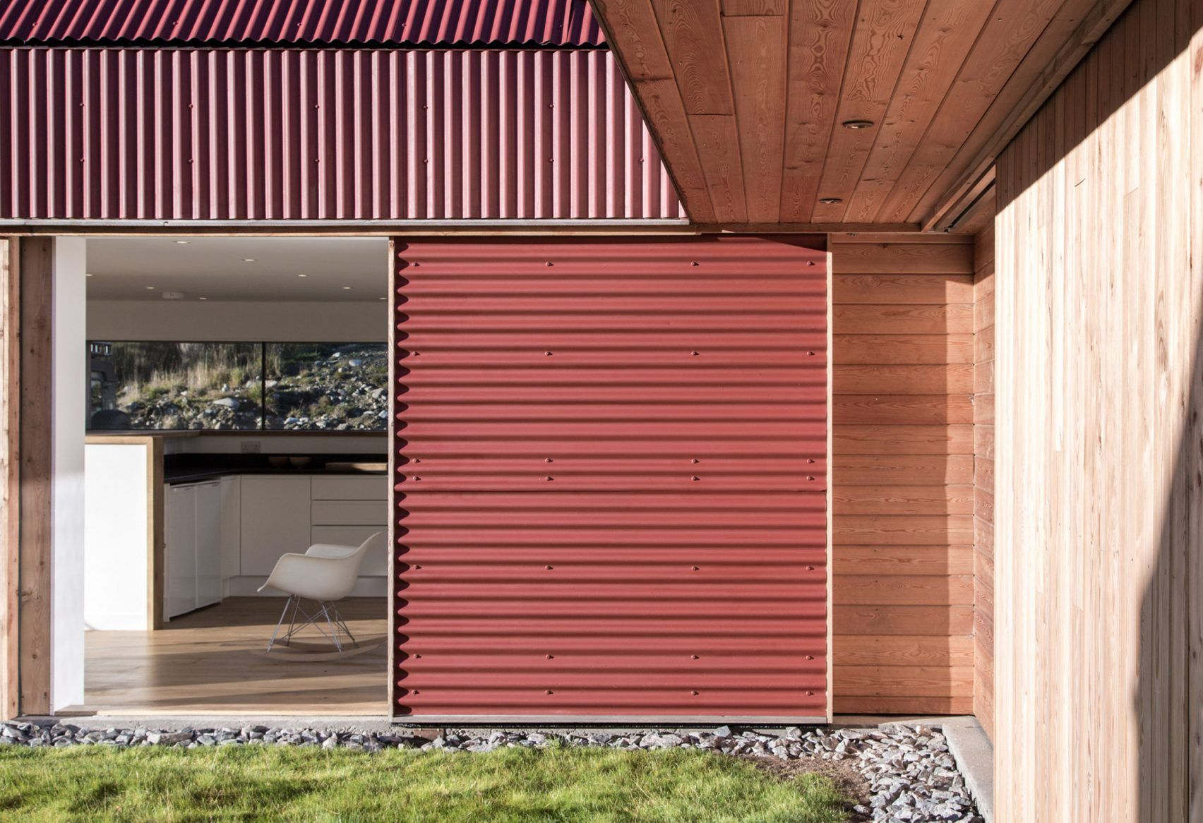 Moxon Adds Red Metal And Larch Extension To Scottish Highlands Farmhouse Farmhouse Renovation Cladding Metal Cladding
