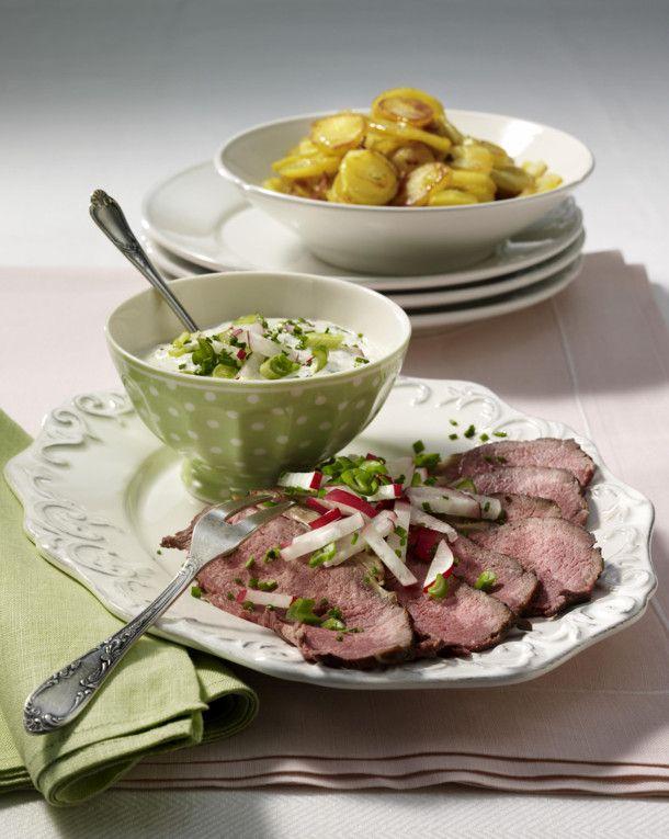 Unser beliebtes Rezept für Roastbeef mit Joghurt-Dip und mehr als 55.000 weitere kostenlose Rezepte auf LECKER.de.