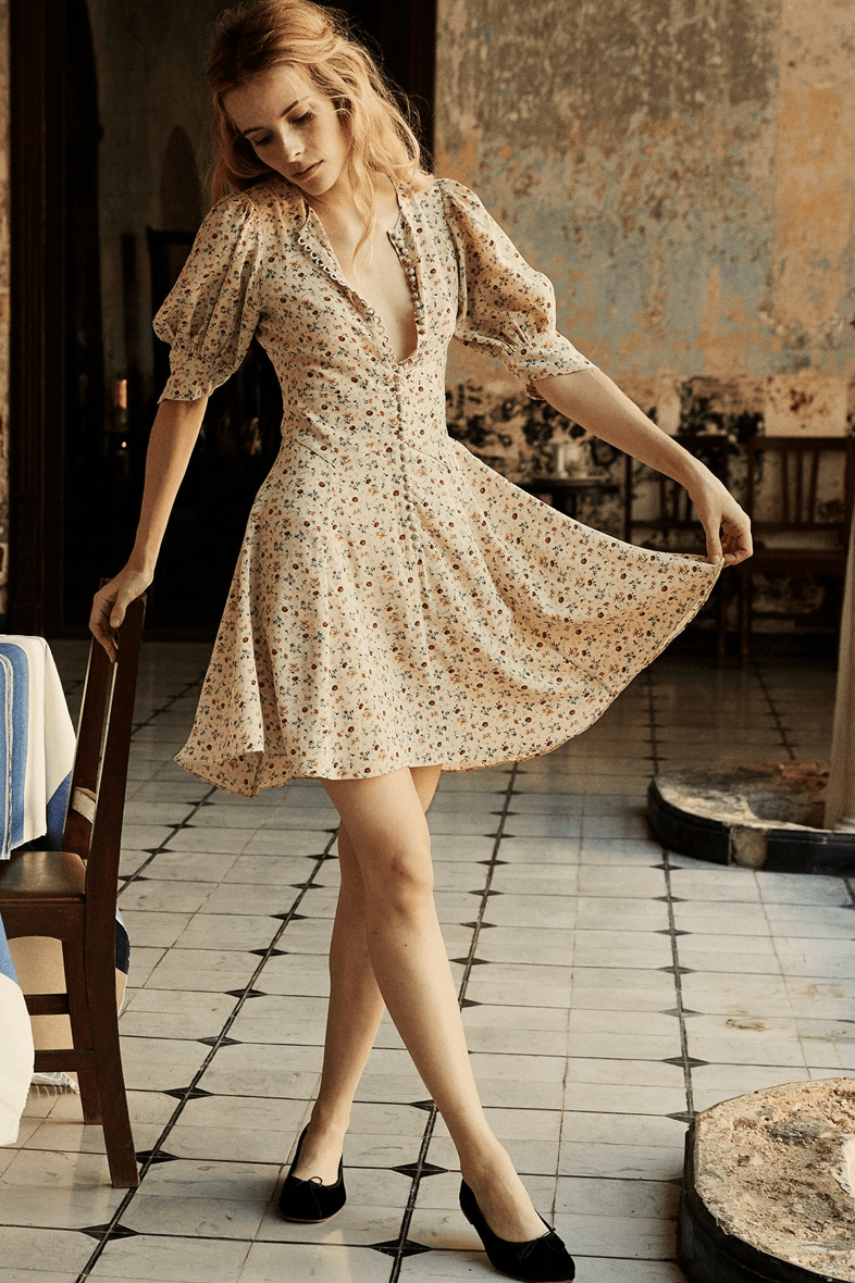 Casual House Dresses For A Socially Distant Summer Style Business Casual Outfits For Women Spring Summer Dress Summer Fashion [ 1180 x 786 Pixel ]