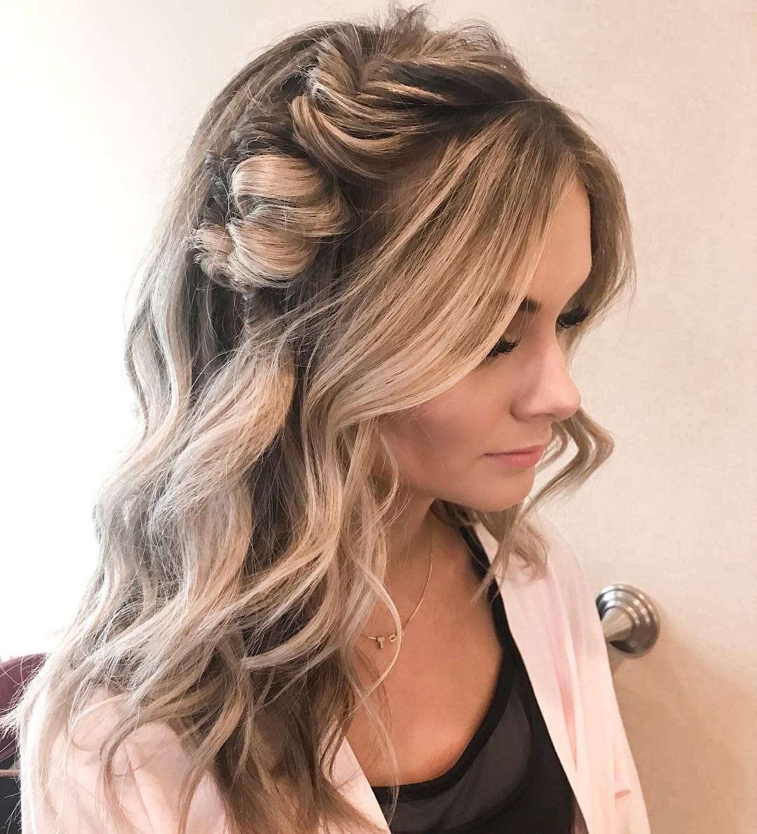 Best hairstyle for medium length wavy hair wedding hairstyle tips