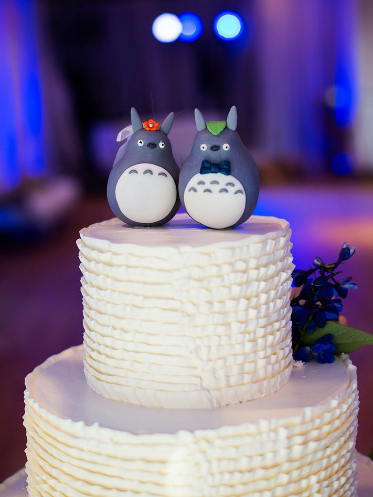 Break Tradition With These 15 Funny Wedding Cake Toppers For The Lighthearted Co Funny Wedding Cake Toppers Diy Wedding Cake Topper Wedding Cake Toppers Unique