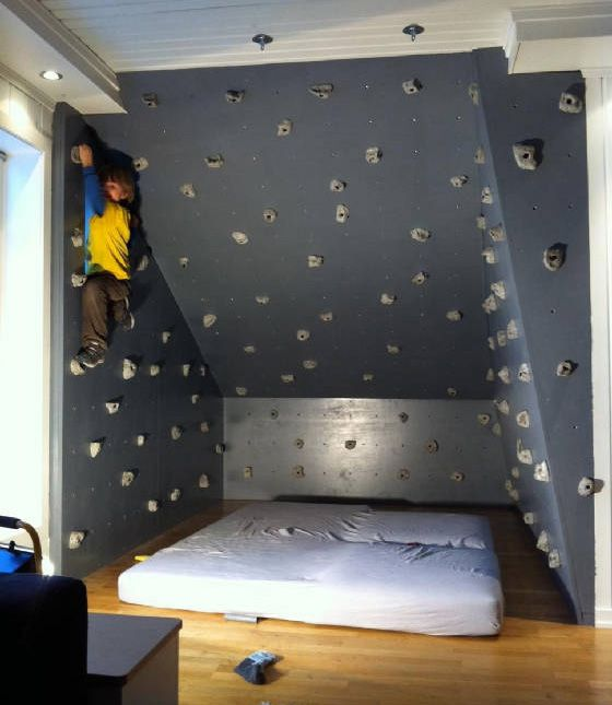 High Quality Keep Them Entertained With A Mini Rock Climbing Wall With A Mattress  Beneath! (for Incase They Fall, Of Course)