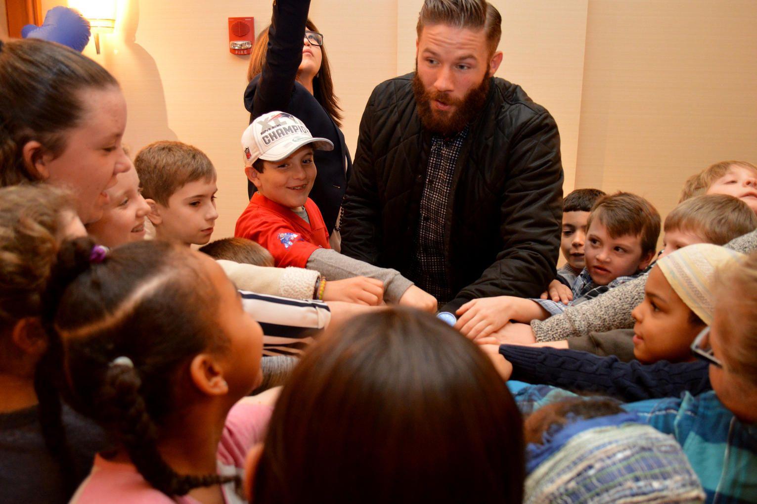 Julian Edelman Reads New Children S Book At Charity Event Julian Edelman New Children S Books Charity Event