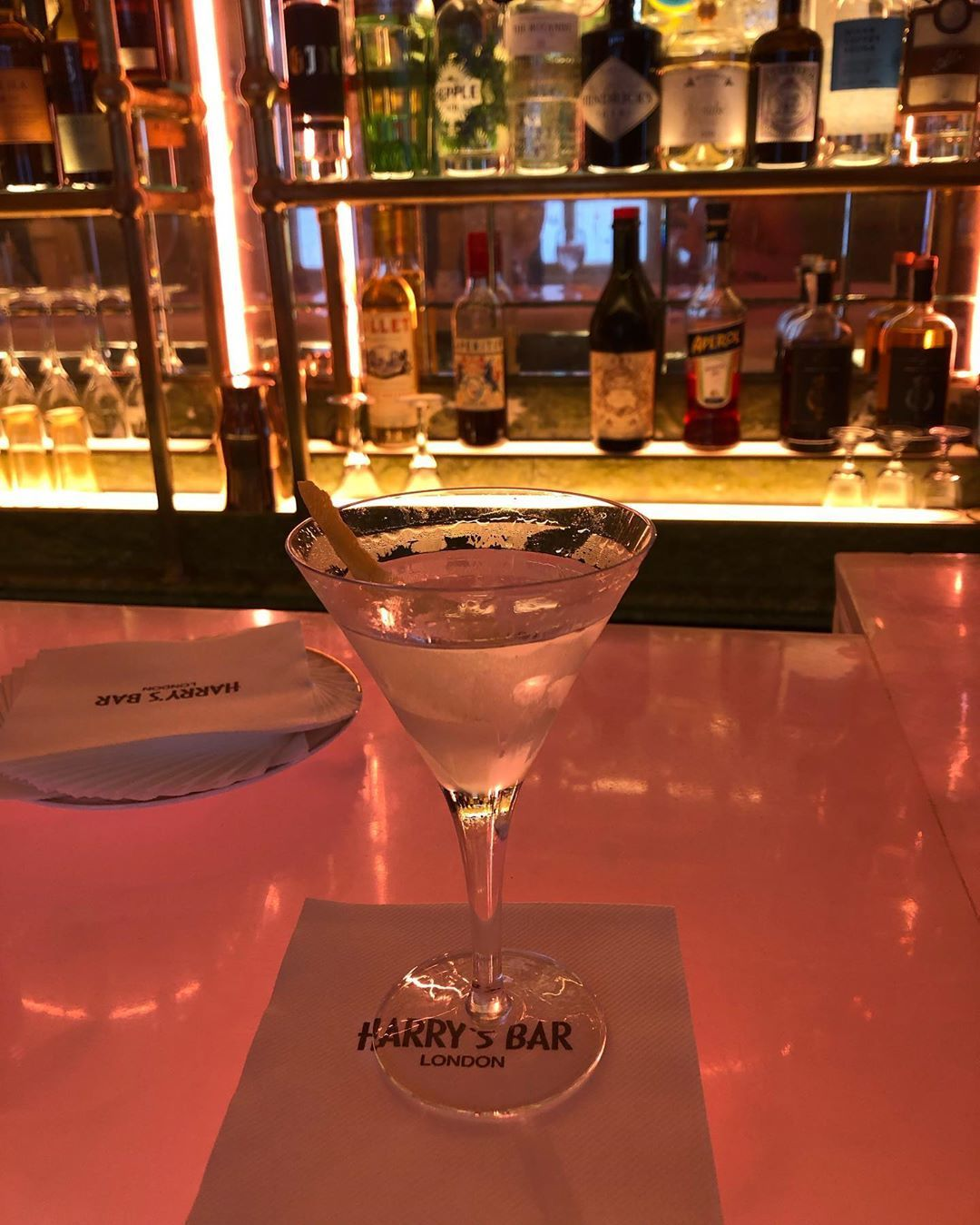 Martini Luciano Harrys Bar London Now Top In 2020 London Bars London Now Instagram Posts