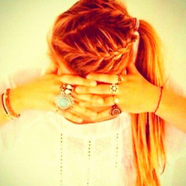 I love her hair/rings!