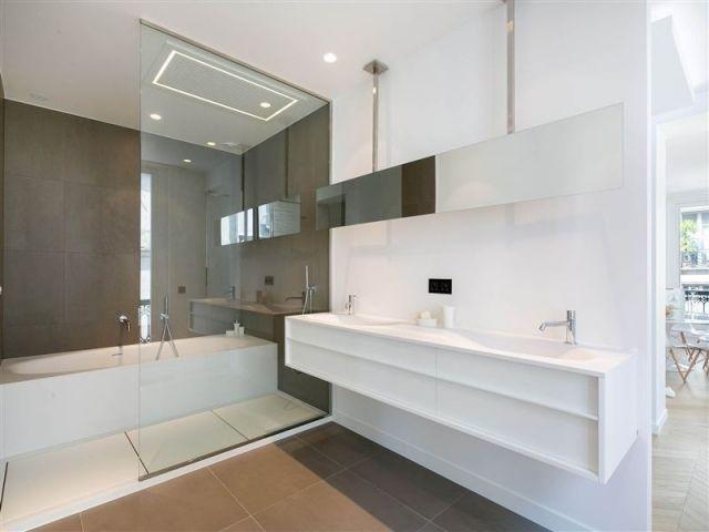 Badezimmer Bilder Badewanne Dusche Glas Abtrennung Doppelwaschtisch