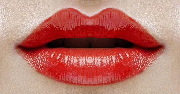 Blutroter Lippenstift