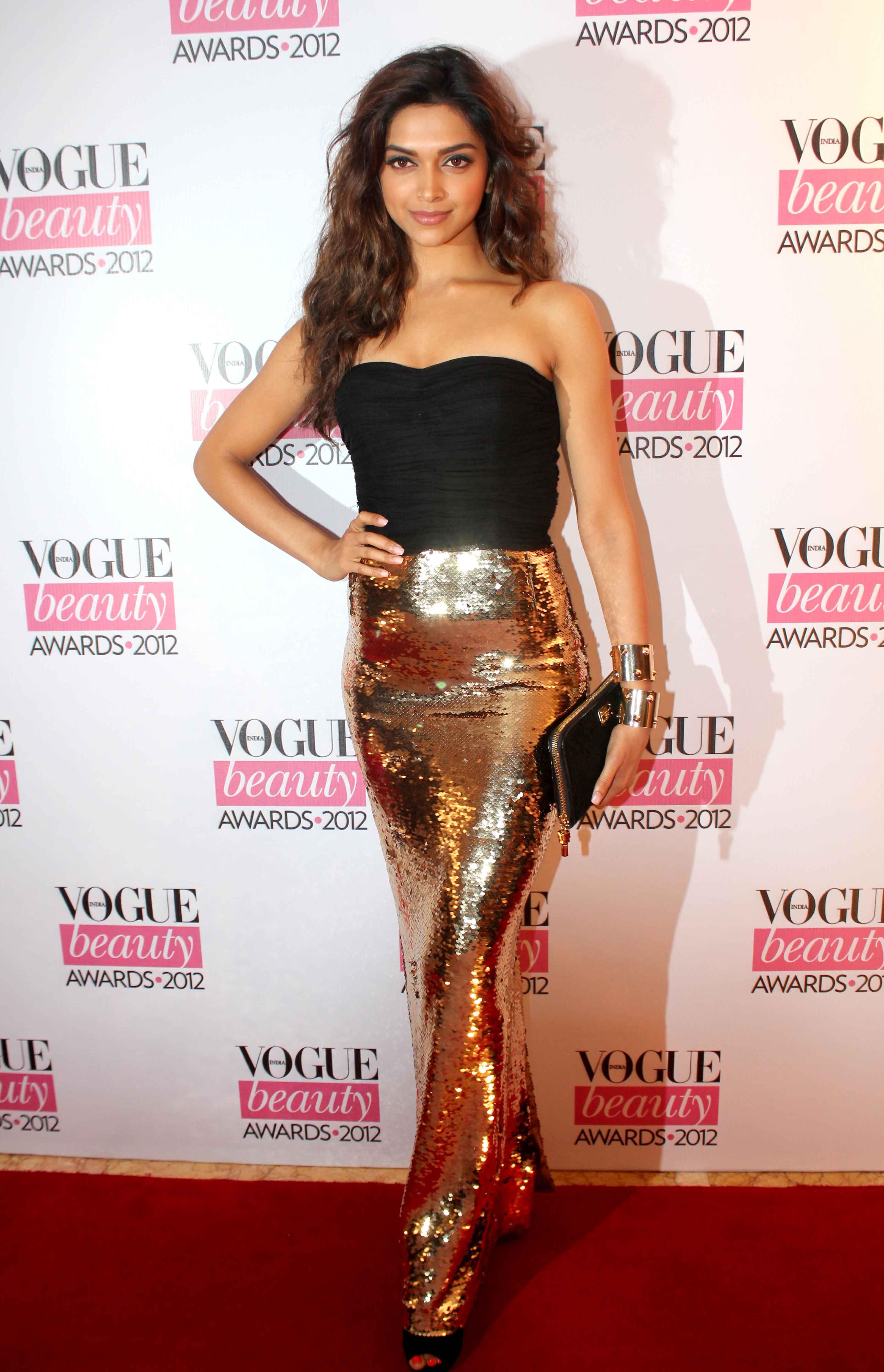 Deepika Padukone At Vogue Beauty Awards Vogue Beauty Celebrity Dresses Bollywood Girls