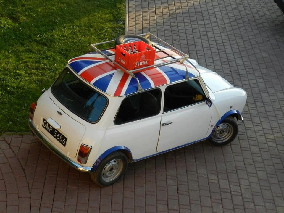 mini cooper union jack almost looks like mine mini me. Black Bedroom Furniture Sets. Home Design Ideas