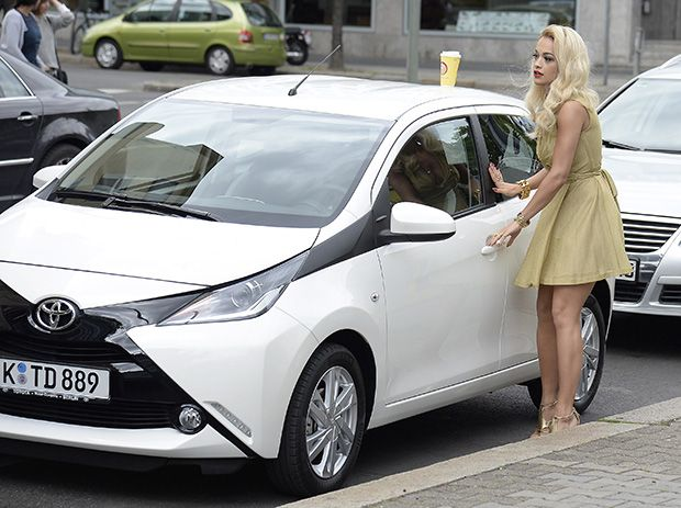 Rita Ora Stepping Into A White Toyota Aygo After Shopping At Kadewe Department Store In Wilmersdorf In Berlin Germany On Jul Rita Ora Toyota Aygo Gold Outfit