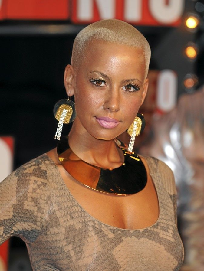 Cheveux afro : la coupe rasée blonde d'Amber Rose | I am not my hair | Natural hair styles, Big ...
